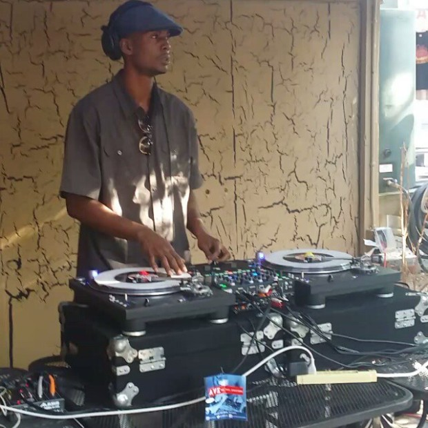 Highlanda live @ All Vinyl Everything [Atlanta - 5.24.15]
