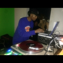 image: Kahlil Wonda of HIghlanda Sound at The Sound Table for Highlanda.net and The Honorary Citizen's RUB-A-DUB session