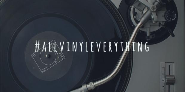 Real DJs playing vinyl